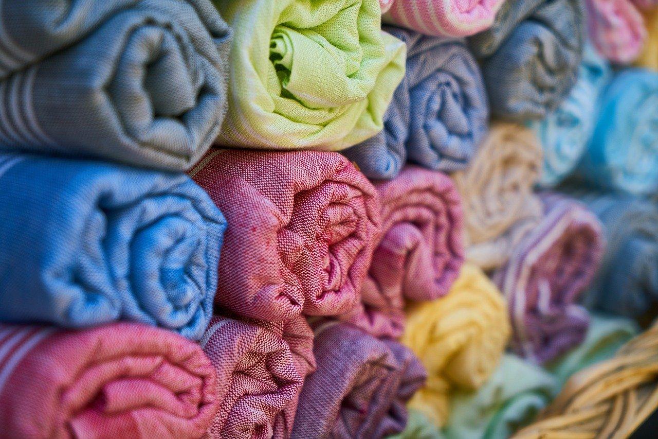 Coudre des vêtements : bien choisir le tissu